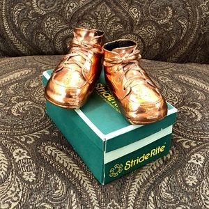 VINTAGE BRONZED BABY SHOES IN STRIDE RITE BOX